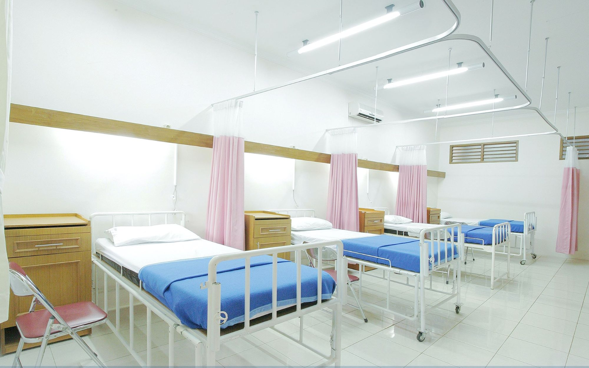 Photo of a hospital bed